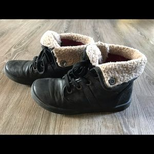 Kids size 3 ankle boots by blowfish